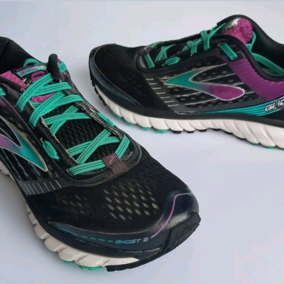 5636ac050cdb3 Brooks Shoes - Womens Brooks Ghost 9 Running Shoe Size 9.5 Wide